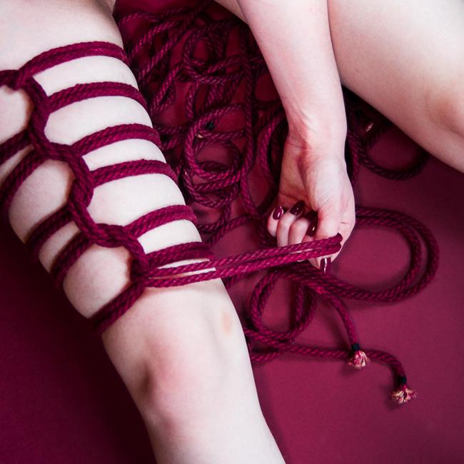 leg rope bondage